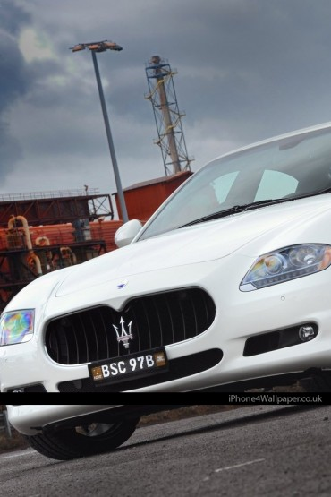 Maserati Quattroporte iPhone Wallpaper